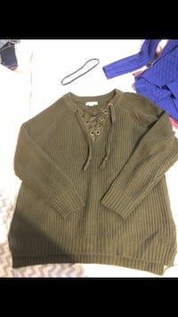 Olive green sweater .. size Large  Greer, 29651