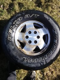 Tire with rim set.