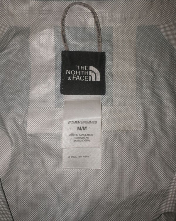North Face Womens Windbreaker size M 2