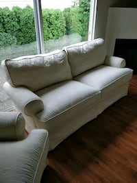 Sofa and Two Armchairs Surrey, V4A 4Z2