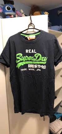 Men's Superdry tshirts (size small) Vancouver, V5W