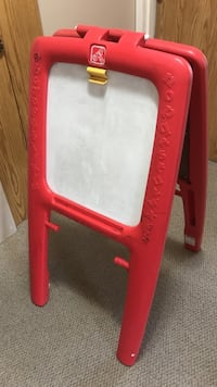 Red and whitestep2 easel board Surrey, V3R