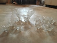 Glass punch bowl and glasses set Gatineau, J8R 2L5