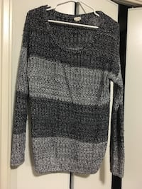 Knitted sweater Toronto, M6K 2T8