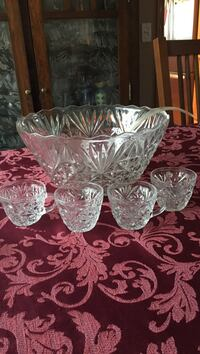 Glass punch bowl with 4 cups