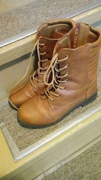 Boots. For a womens size 8 Omaha, 68132