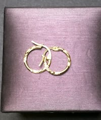 10k Gold small 2 marks hoops