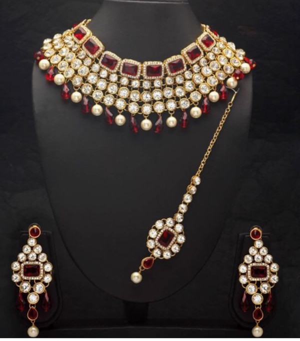Pearl kundan necklace and earrings set! Brand new!