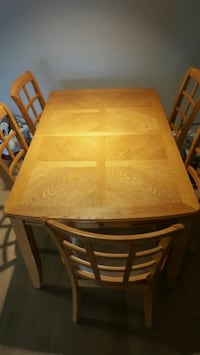 Kitchen/dinning room table with 5 chairs din Elkridge, 21075