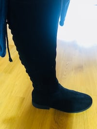 unpaired black suede knee-high boot Malmö, 217 44