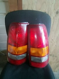 pair of vehicle taillights New London, 54961
