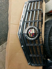 Cadillac SRX front grille