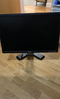 Old Dell monitor with power cable.  Works fine Vancouver, V5Y 2J5