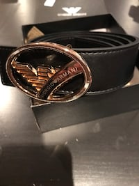 BLACK AND GOLD BUCKLE BELT NEW