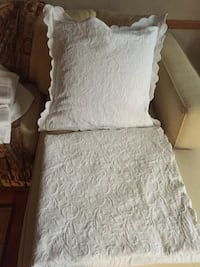 KING COVERLET WITH 2 MATCHING EURO PILLOW COVERS NEW New York, 11225