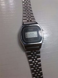reloj digital Casio Lithium de color plateado con pulsera de enlace Sevilla, 41008