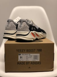 Yeezy Boost 700 Adidas Wave Runner 9.5 Washington, 20036