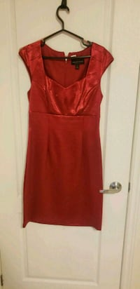 Red party dress  562 km