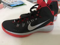 pair of black-and-red Nike basketball shoes Watsonville, 95076