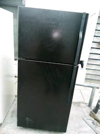 black top-mount refrigerator Capitol Heights, 20743