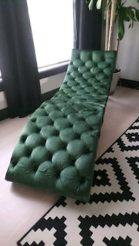 Chaise Mississauga, L4W 3W3