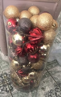 assorted bauble lot