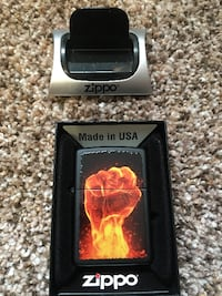 Zippo lighter with stand  GREENVILLE