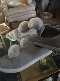 Gray and fluffy shoes ! Midlothian, 60445