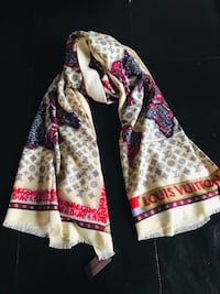 Louis Vuitton scarf in beige and red shade Calgary, T3J 0J4