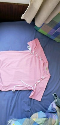 pink and white long-sleeved shirt Richmond, V7A 4E8