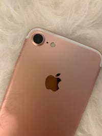 Great condition Iphone 7 - Contact for more info Toronto