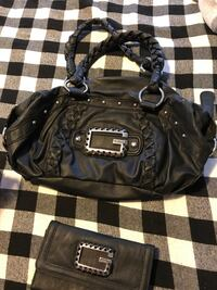 Guess bag with matching wallet  Pickering, L1V 0B3