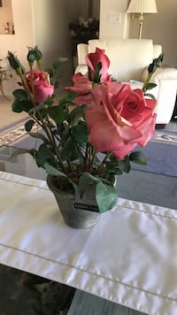 pink rose flowers centerpiece Melbourne, 32940