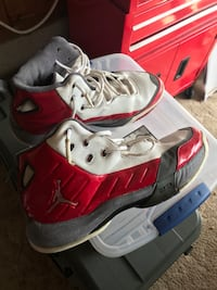 Jordan's - size 13 - $5 Findlay