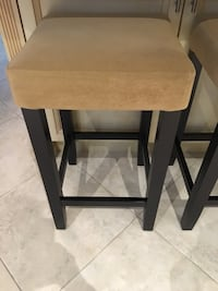 Counter height stool. Excellent condition Caledon, L7E 0C1