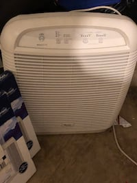 Whirlpool Air purifier and Two charcoal Filters--  Gainesville