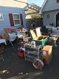 25 Circle Ln Levittown Ny 11756 huge yard sale ...mention the ad and get a free gift  Levittown, 11756