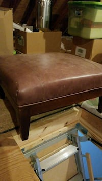 Leather ottoman Charlotte, 28226