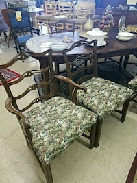 6 padded mahogany chairs Winchester, 22601