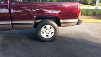 88-98 Chevy/GMC C/K 6.5 Ft bed with liner and bumper