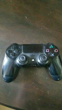 *Doesnt Work* black PS4 controller - Pickup Only Downey, 90240