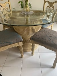 Beautiful vase stand round glass top dining table and matching chairs Richmond Hill, L4E 2Z6