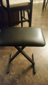 black leather padded folding chair Longueuil, J4K 2W6