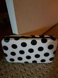 Sweet polka dot clutch, ever used Sherwood Park, T8H 2A9