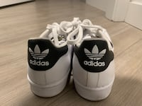 Adidas Superstar Sneakers size 8 Vancouver, V5T 3J5