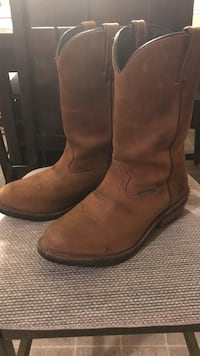 pair of brown leather cowboy boots Conoy, 17502