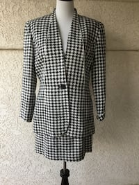 Beautiful 1980s 100% Silk Christian Dior Classic Black & White Houndstooth Suit-SZ 12 Castaic, 91384