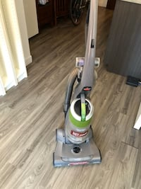 gray and white upright vacuum cleaner Montréal, H1W 1S3