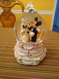 Mickey Minnie Wedding Snow Globe