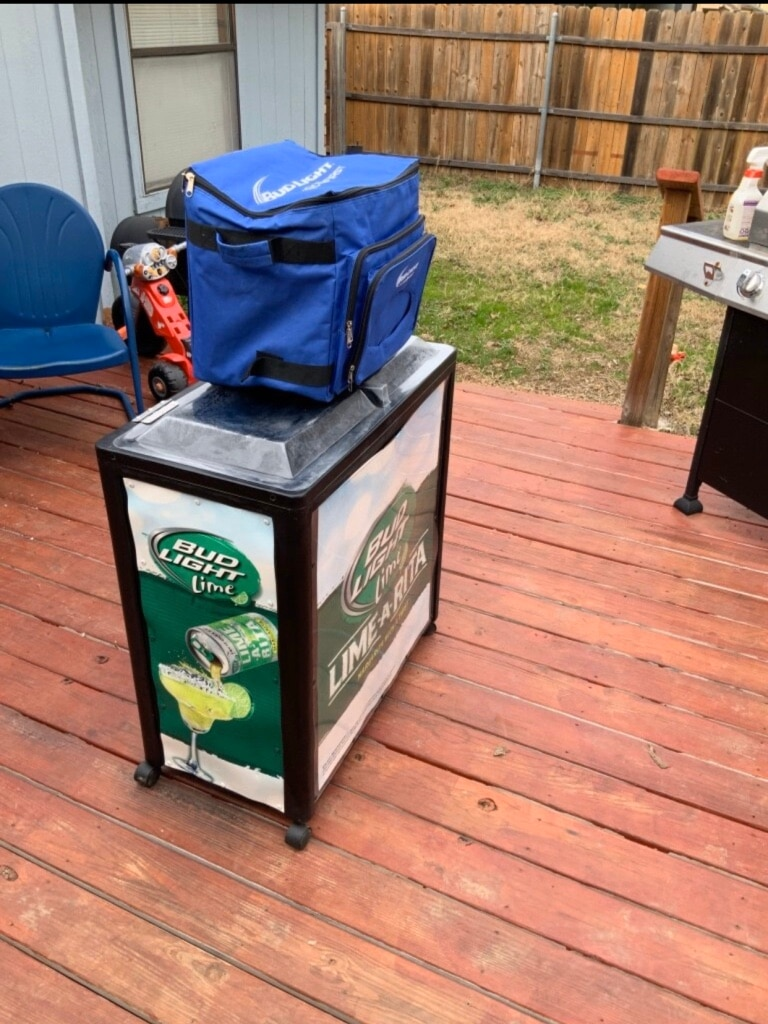Photo Irp black avalanche 300 mobile cooler bud light lime a Rita